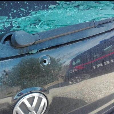 Auto crivellata di colpi
