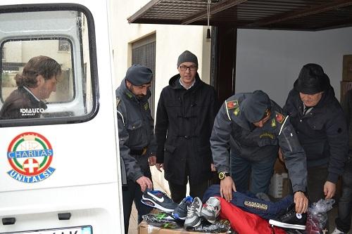 Barletta, merce contraffatta devoluta alla Caritas