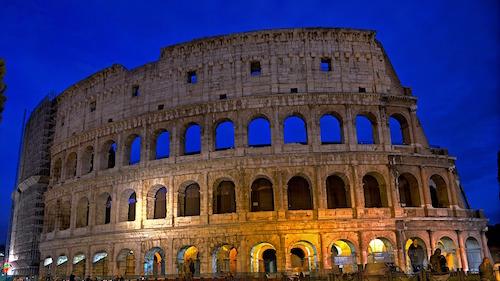 Via Crucis - Colosseo di notte
