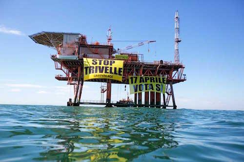 """Greenpeace, esposto contro le """"trivelle fuorilegge"""" in 30 procure della Repubblica"""