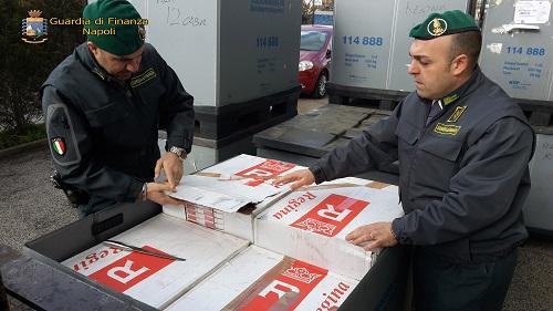 Napoli sequestro tabacchi lavorati esteri