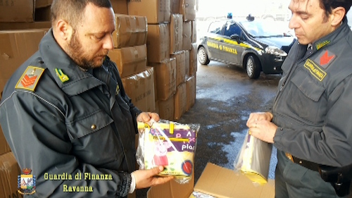Ravenna, sequestro borse contraffatte