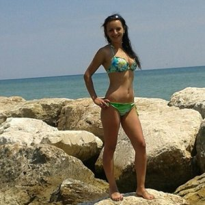 Doina Matei foto in bikini Facebook