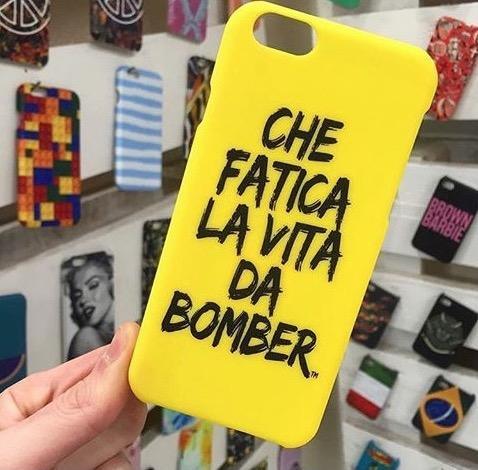 Biella, sequestrate oltre mille cover con marchio contraffatto