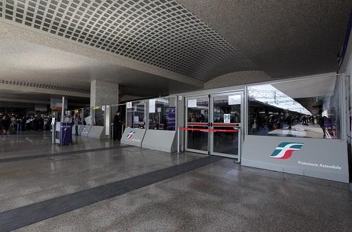 Publifor con policarbonato per Stazione Roma Termini