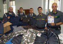 Genova, sequestro prodotti moda contraffatti
