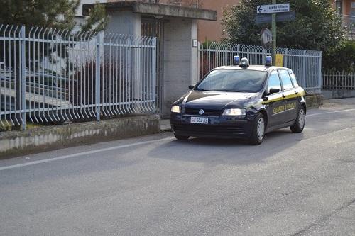 Cuneo scoperto cantiere edile con lavoratori in nero