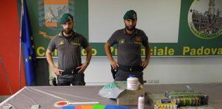 Padova sequestrati prodotti cancelleria