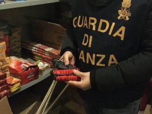 Catania sequestrati fuochi pirotecnici