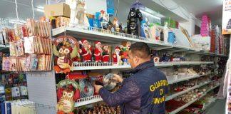 Cosenza sequestrate luci di Natale