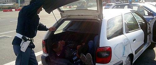 Ancona favorivano immigrazione clandestina