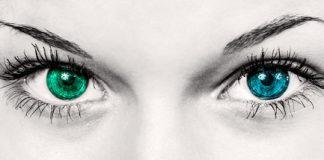 occhi verdi e blu