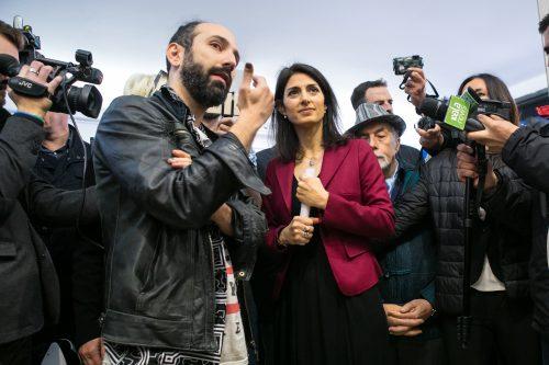 Il sindaco di Roma, Virginia Raggi, all'inaugurazione di Art Stop Monti (foto Alberto Blasetti)