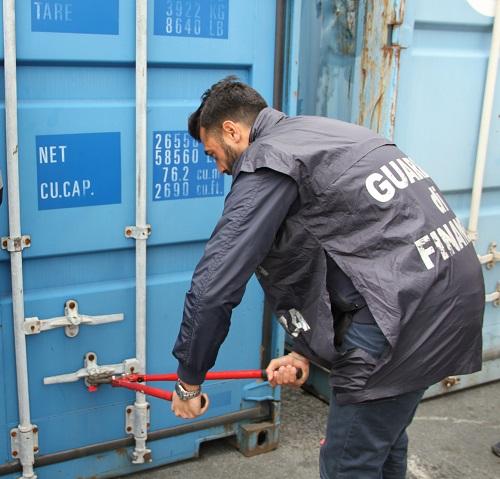 Genova, droga del combattente sequestrate oltre 37 tonnellate