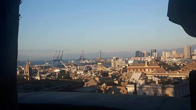 Genova veduta area