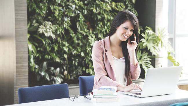 Natale, dieci consigli per superare lo stress da lavoro