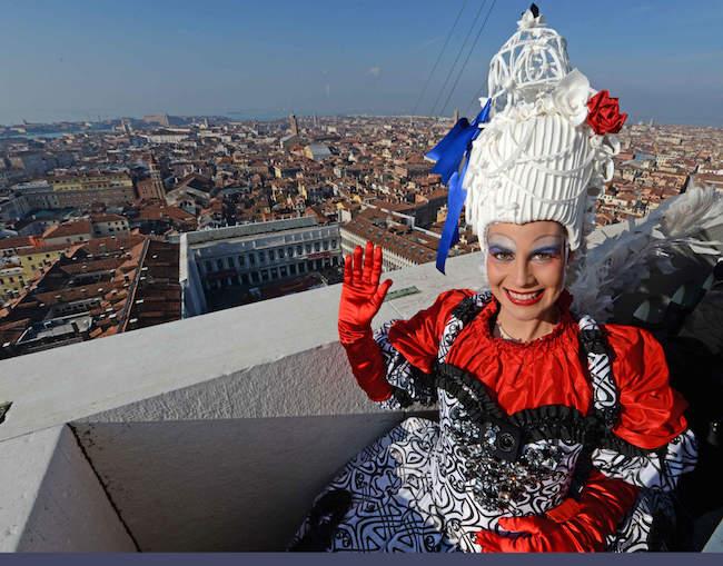 Elisa Costantini, volo dell'Angelo 2018 al Carnevale di Venezia [VIDEO]