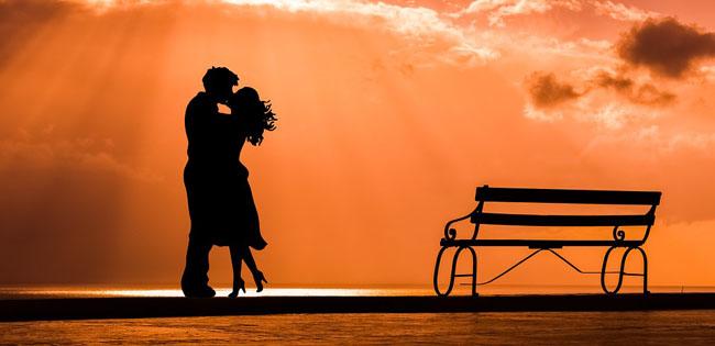 """""""Bacio d'autore"""": a San Valentino si dichiara amore per la cultura"""