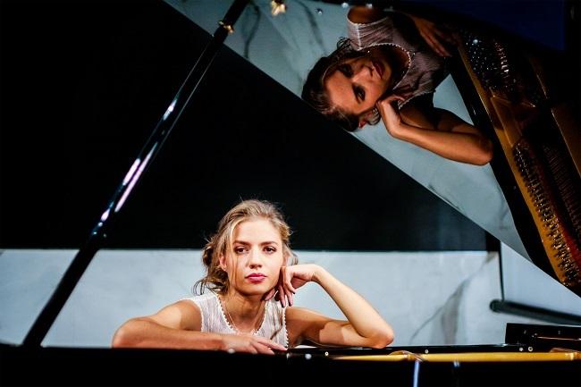 """Eleonora Betti, """"Quaranta volte"""": video e testo della canzone"""
