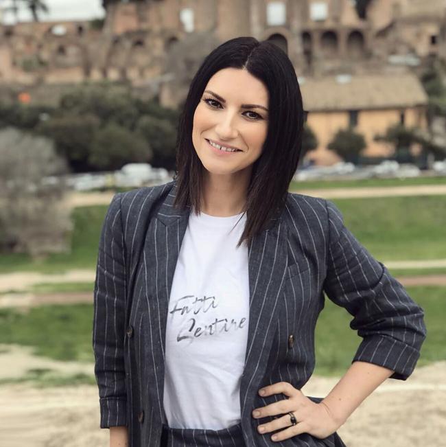 """Laura Pausini, """"Fatti sentire"""": i segreti del nuovo album"""