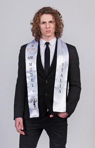 "Mister Italia: 2° posto per Marco D'Elia nel ""Mister Model International"""