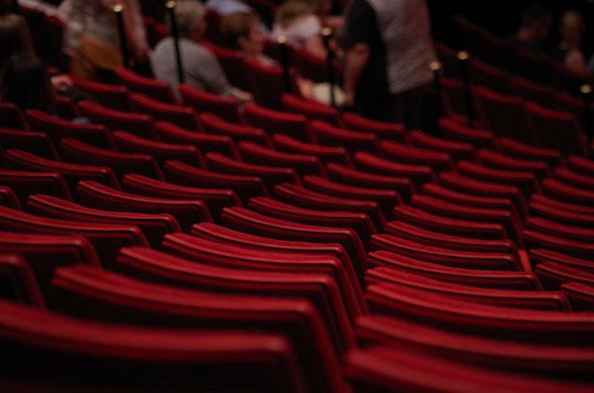 Che cos'è il teatro? Lo racconta Luciano, un attore