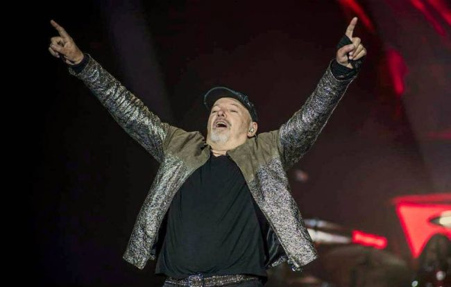 Classifica musica italiana dicembre: Vasco Rossi in vetta