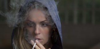 Crisi di coppia? Una su tre se partner fuma