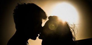 Il bacio nella poesia