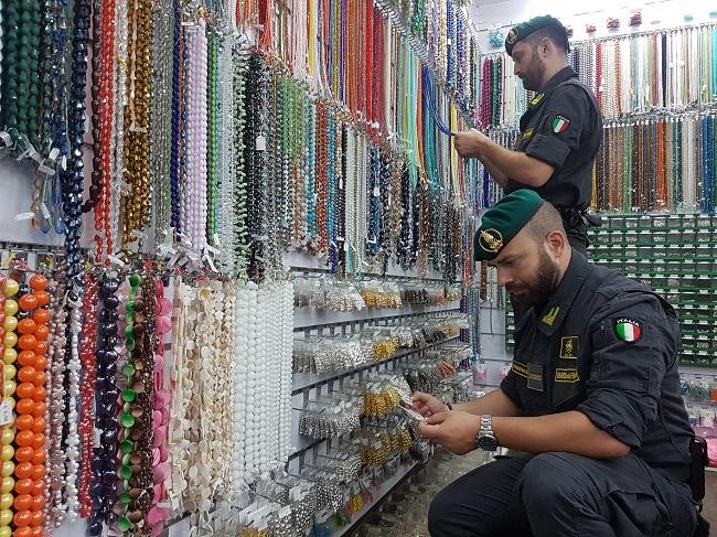 Torino sequestro prodotti