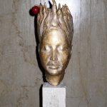 Isabè, 2006, terracotta patinata a foglia d'oro, h 24cm, collezione privata.