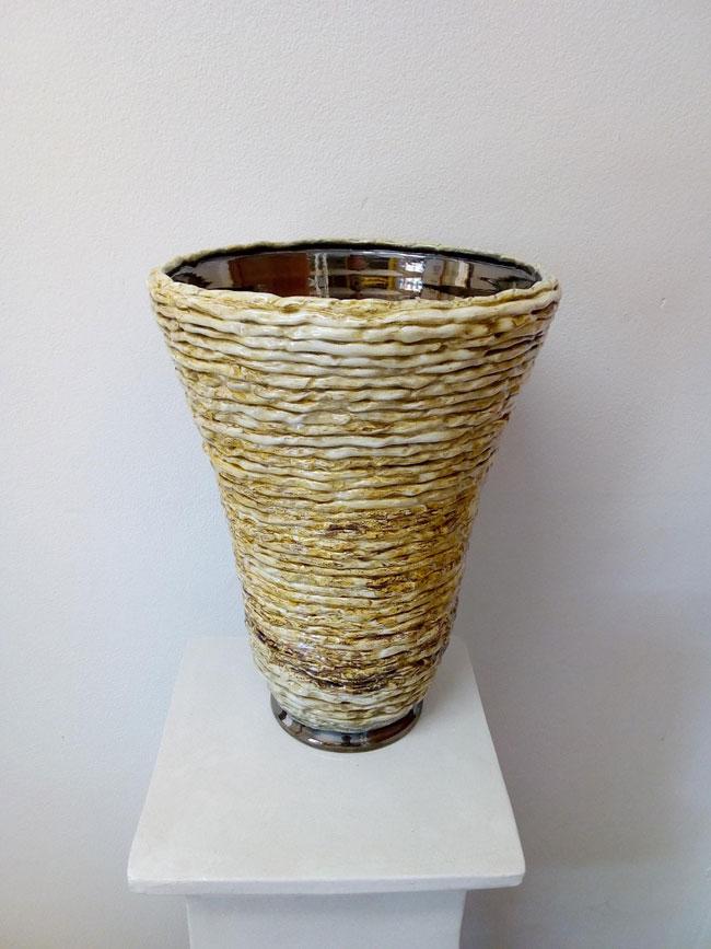 vaso in finta paglia intrecciata
