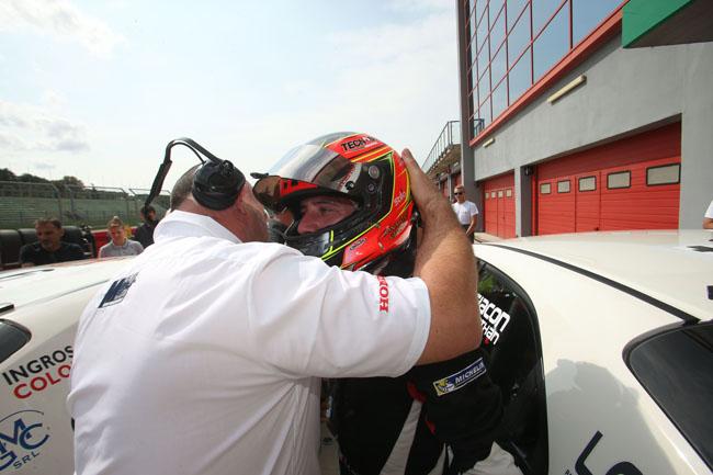 Jonathan Giacon (Honda Civic TCR #14)
