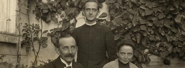 paolo vi e genitori novembre 1922