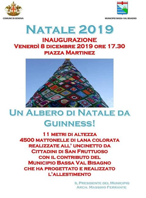 A Genova l'albero di Natale fatto all'uncinetto più grande del mondo