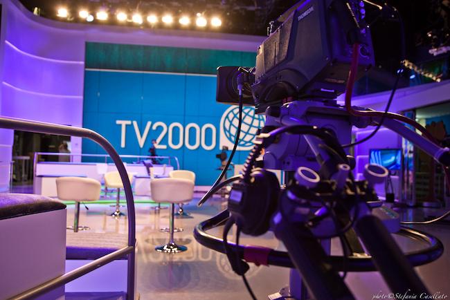 studio tv 2000