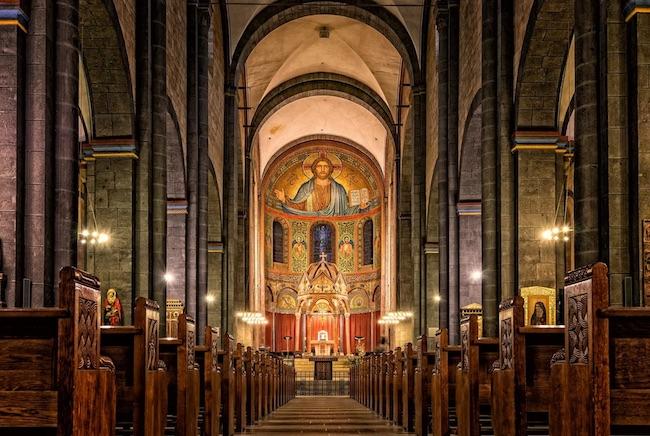 interna chiesa