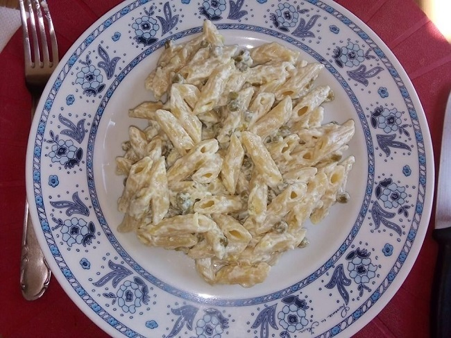 Pasta con piselli e crema di formaggio: ricetta