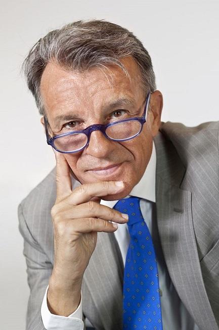 """Raffaele Morelli su Coronavirus: """"Dobbiamo allontanare il pensiero"""""""