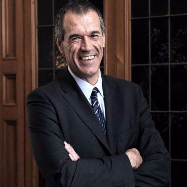Cottarelli torna ad attaccare il reddito di cittadinanza