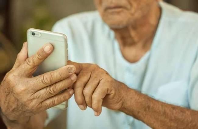anziano cellulare