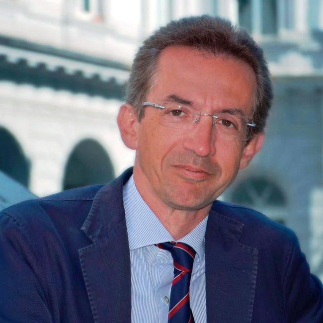"""Manfredi proclamato sindaco di Napoli: """"Un momento di grande emozione"""""""