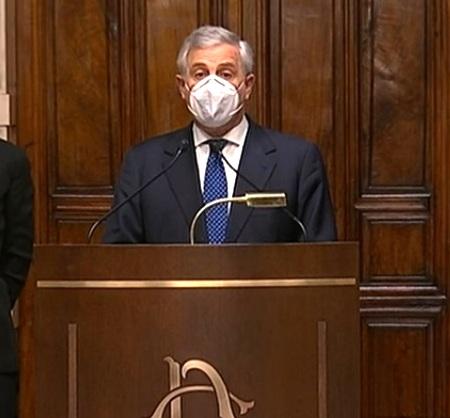 Tajani difende Speranza: 'I ministri di Draghi non si toccano'