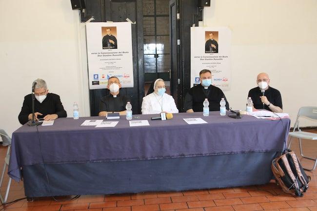 conferenza canonizzazione napoli