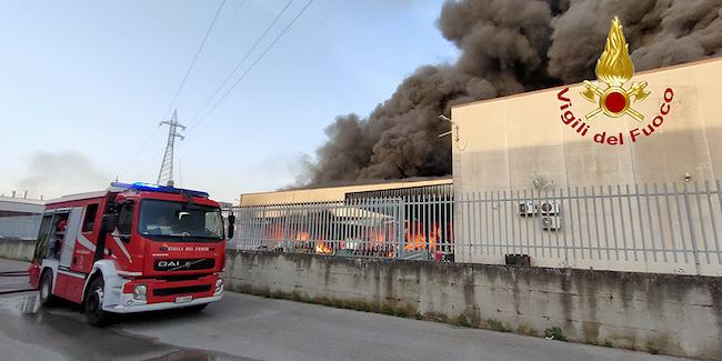incendio fabbrica caffé