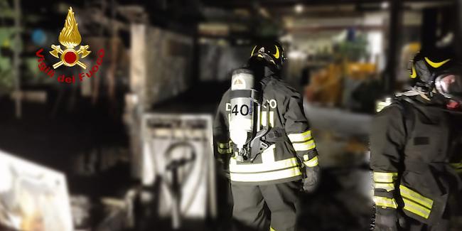 macchinari in fiamme