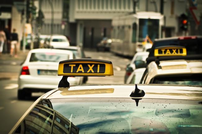 Sciopero nazionale dei taxi, si chiedono la regolamentazione delle app e interventi contro l'abusivismo