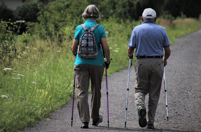 walking anziani