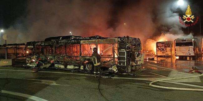 incendio atac roma